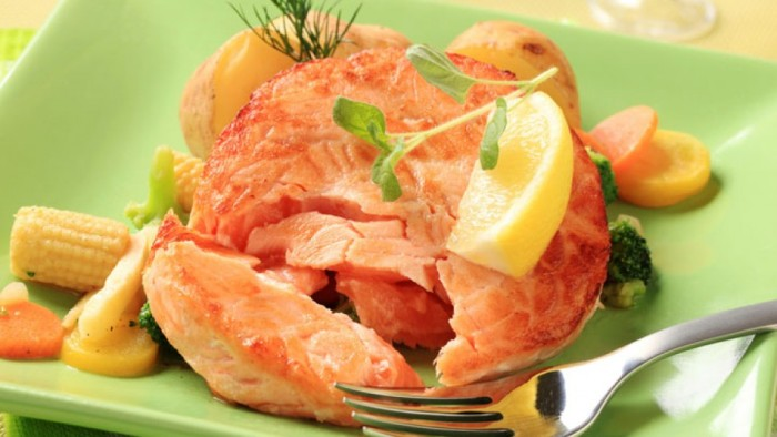 salmon-burger-lemon-720